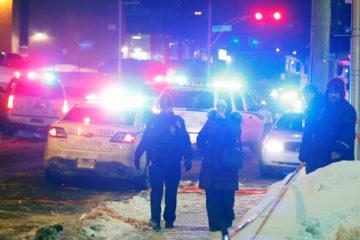 Un total de 6 personas murieron y otras 8 resultaron heridas cuando dos hombres abrieron fuego dentro del recinto religioso