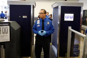 El sospechoso de 29 años fue apresado en el aeropuerto de Marrakech tras ser detectado un kilogramo de cocaína en su estómago