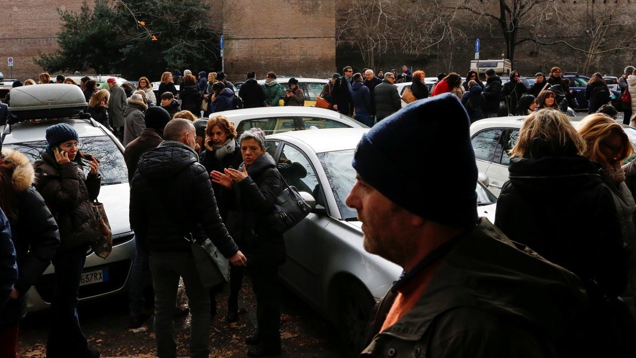 Autoridades aconsejaron desalojar escuelas y edificios como medida preventiva