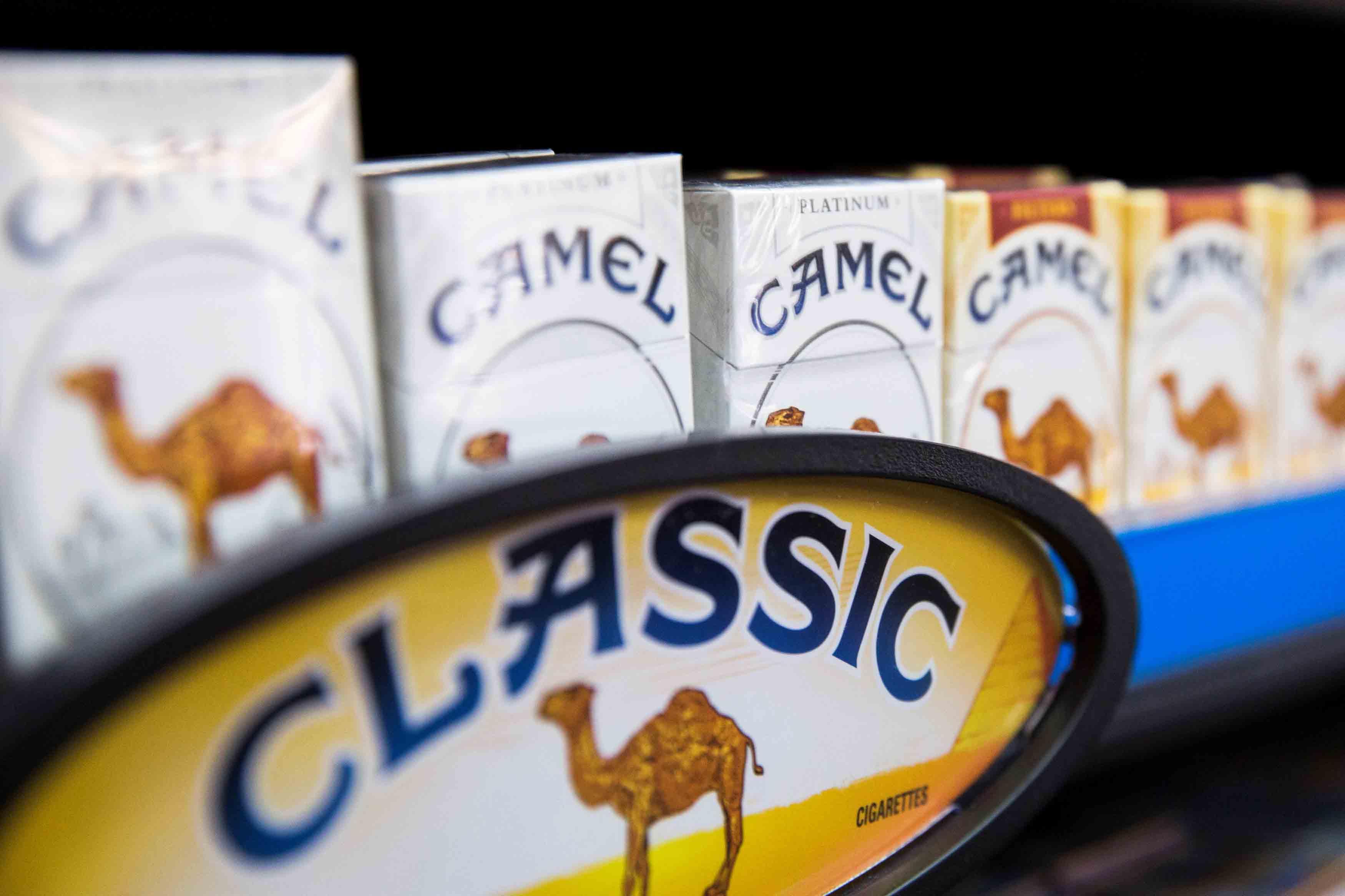British American Tobacco, propietaria de Lucky Strike, adquirirá por $50 mil millones Reynolds American, encargada de Camel