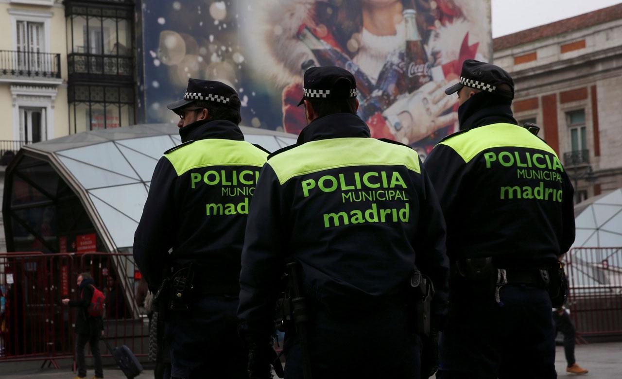 Además de aumentar la presencia policial en calles, terminales y aeropuertos también se ordenó restringir la circulación de camiones