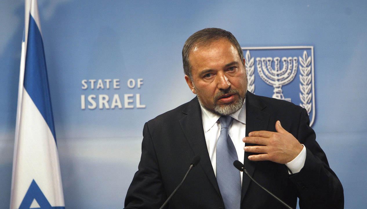 Ante la condena dictada por el tribunal de Tel Aviv para el soldado Elor Asaria, el ministro de Defensa de Israel solicita prudencia