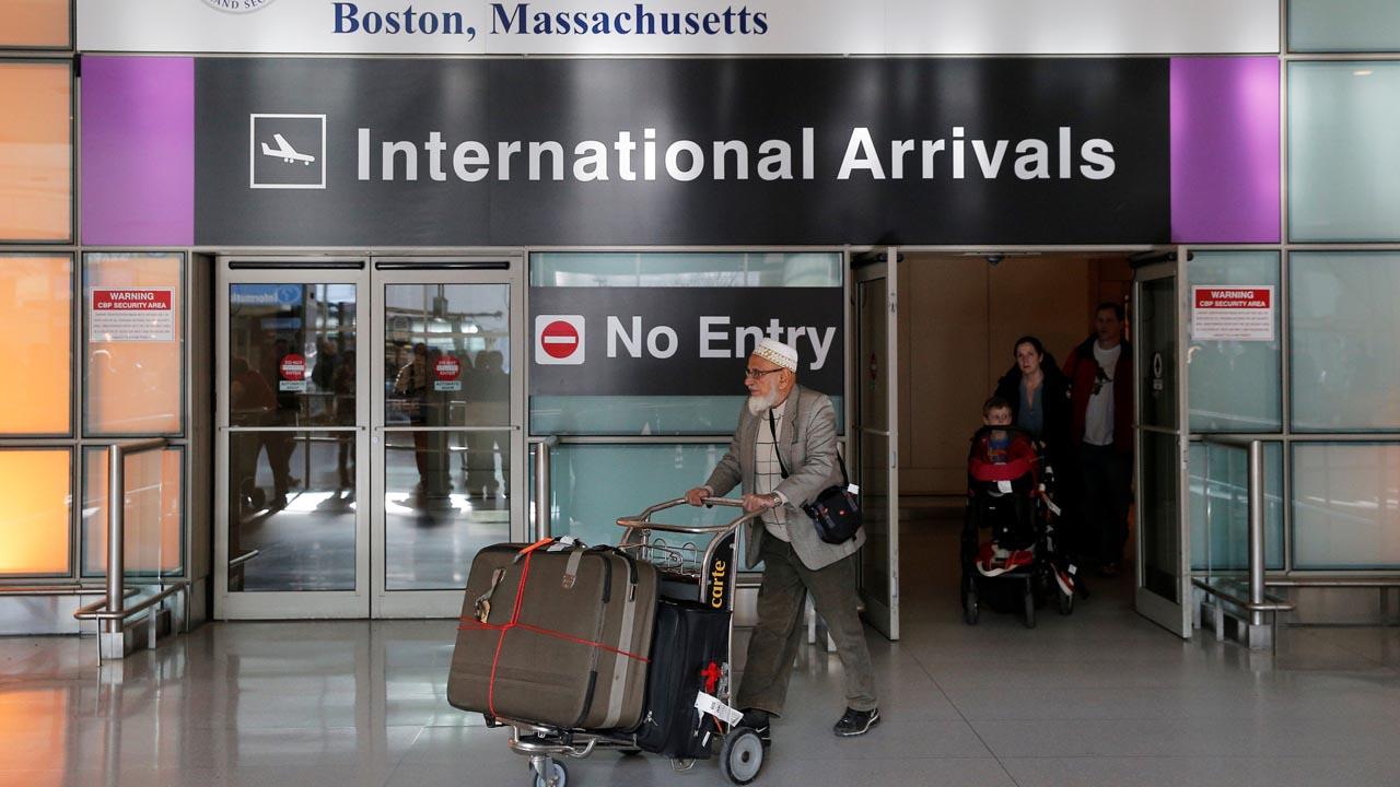 El presidente de los Estados Unidos prohibió la entrada por tres meses de ciudadanos de siete países en su mayoría musulmana