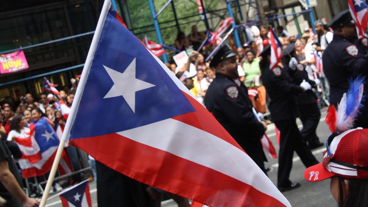 La delegada de la isla ante la Cámara de Representantes de Estados Unidos presentó el proyecto de ley que llevaría a un plebiscito
