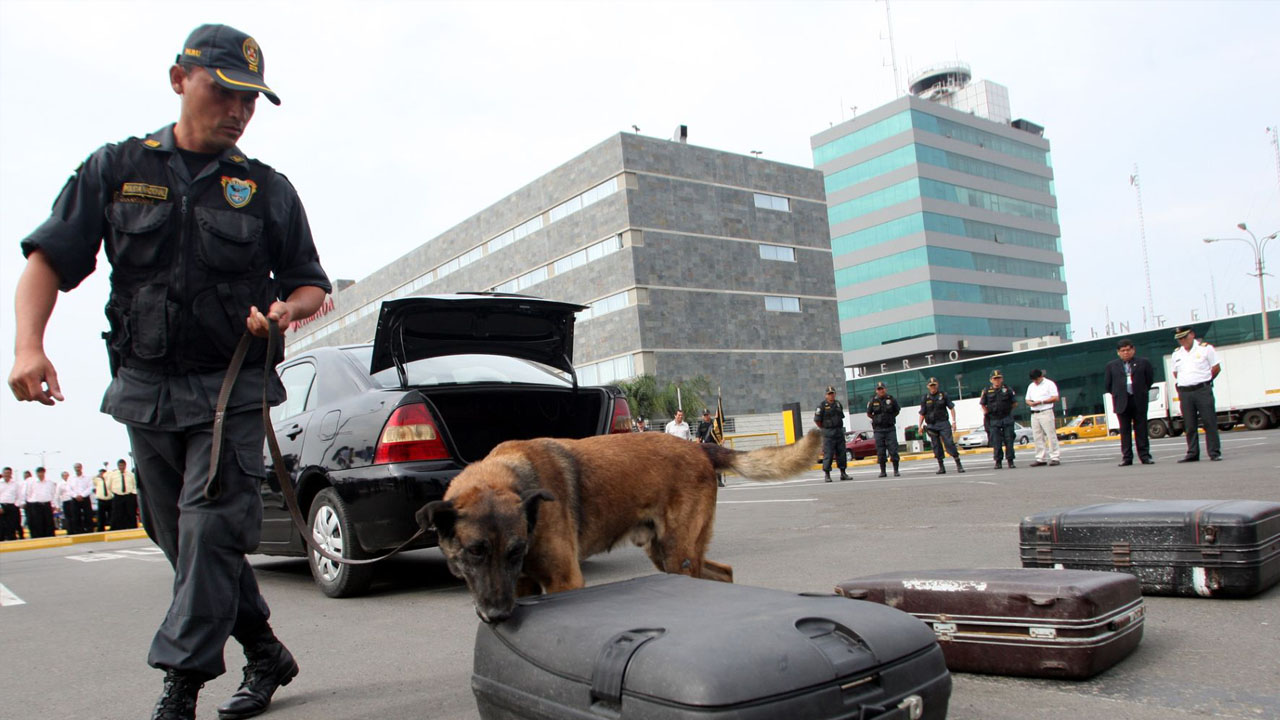 Varios funcionarios del aeropuerto internacional de San Juan fueron llevados ante la Justicia por una gran operación de drogas