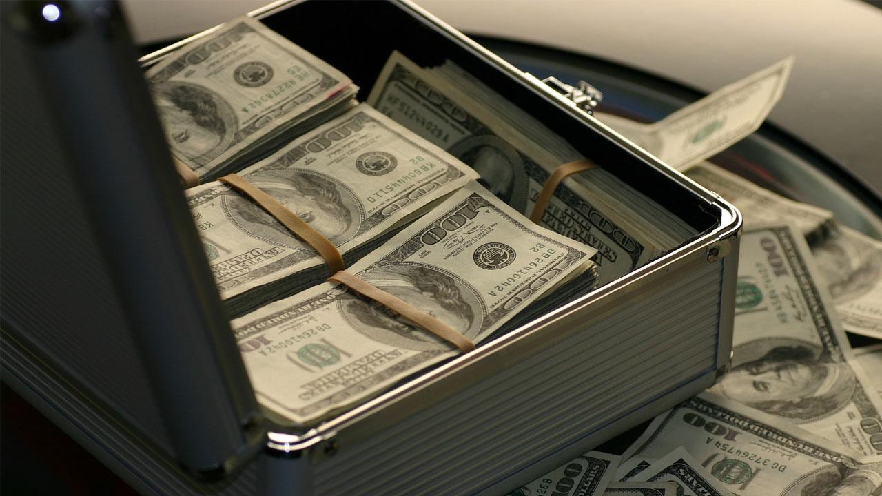 La detención fue hecha en un aeropuerto de Costa Rica luego de encontrar el dinero en una maleta de viaje