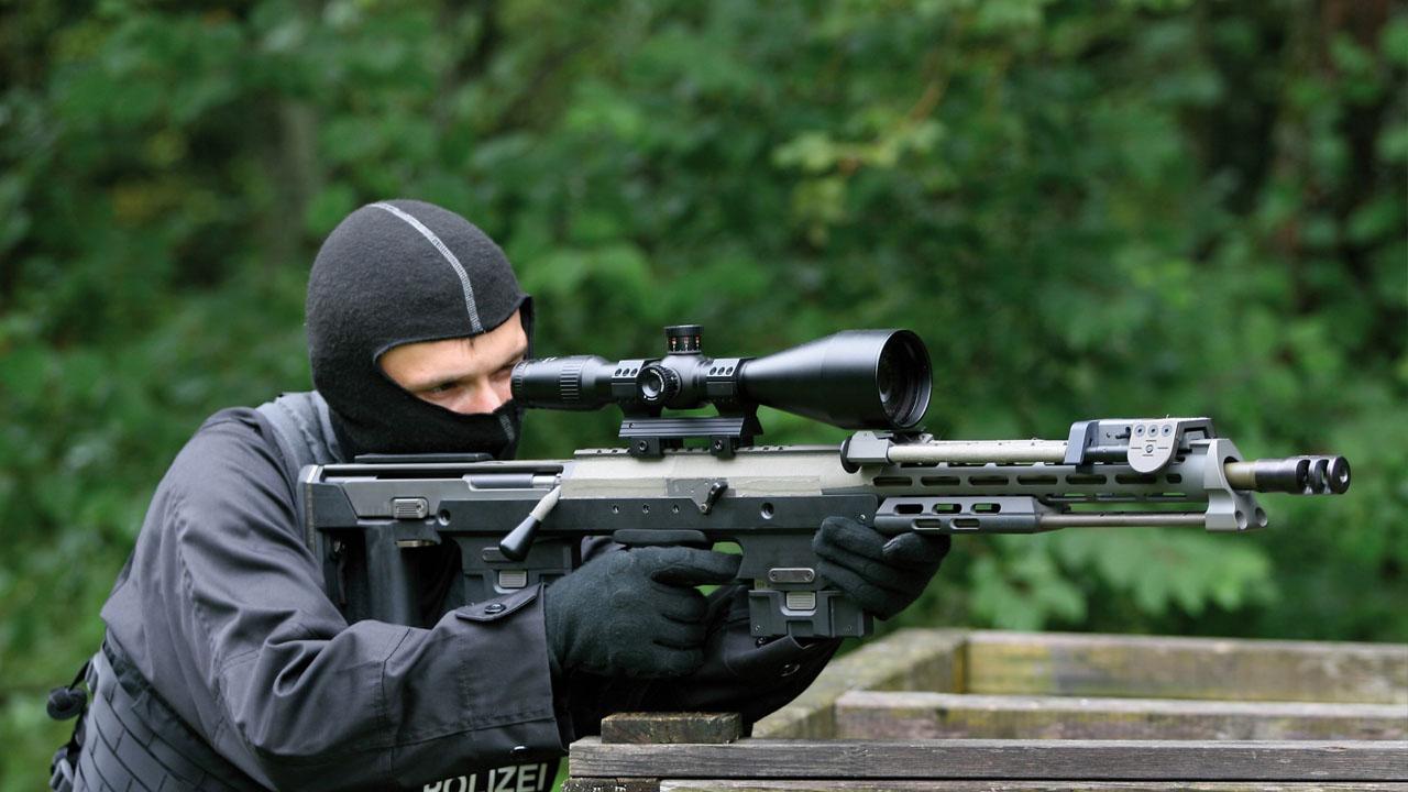 Un francotirador accionó su arma por equivocación durante un pronunciamiento del presidente François Hollande