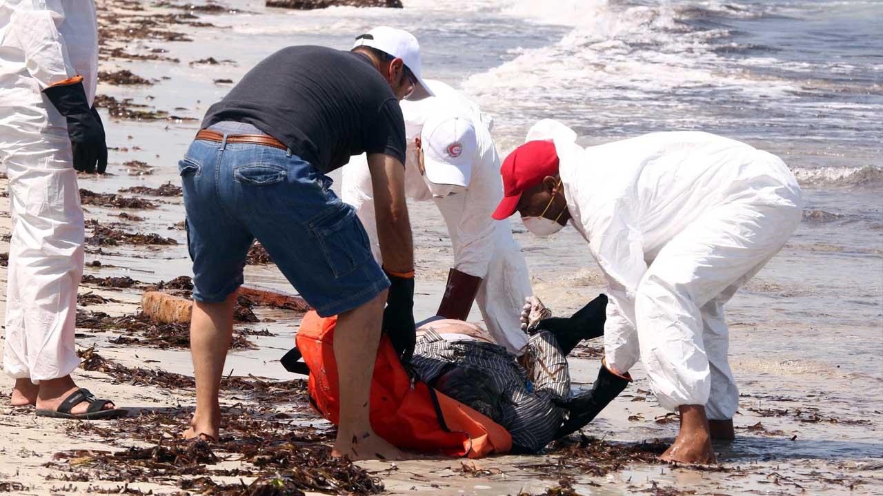 La IFCR encontró los cuerpos en la costa de la ciudad de Zawiya, al noroeste del país