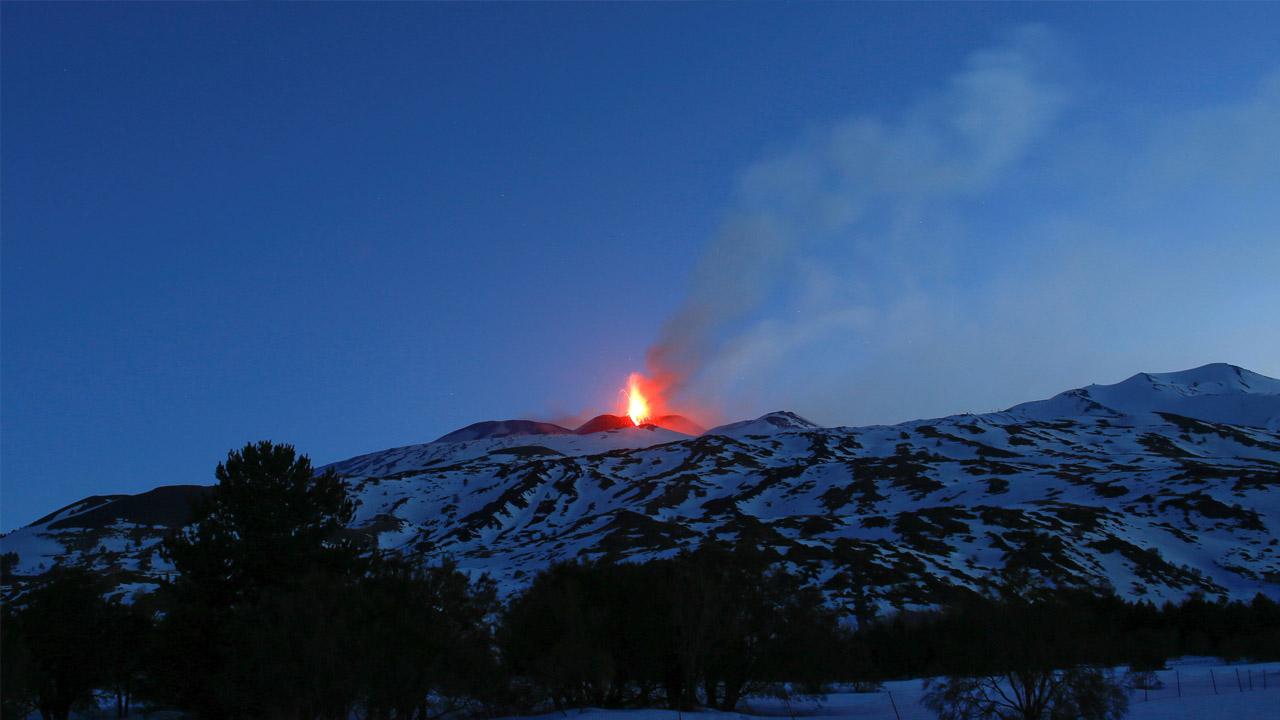 El Instituto de Geofísica y Vulcanología, indicó que la activación del Etna no supone un peligro para la población