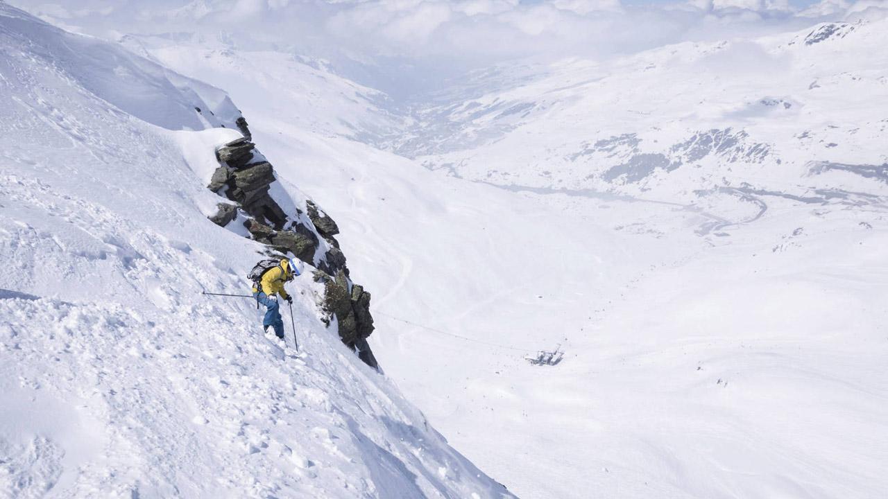Los dos hombres de nacionalidad española perdieron la vida luego de que les cayera un bloque de hielo mientras escalaban