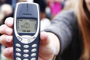 La firma relanzará una versión moderna de su modelo 3310 como parte de una estrategia que apueste a la nostalgia del consumidor