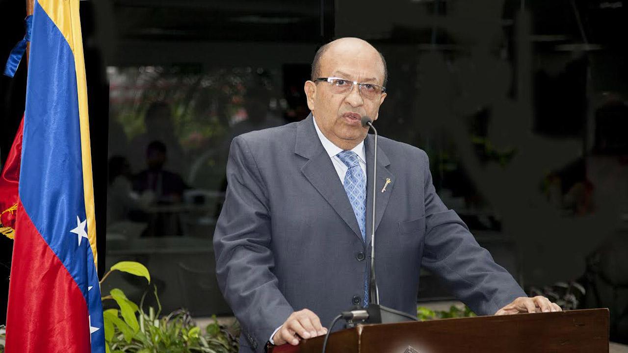 Manuel Enrique Galindo manifestó que no se le permite el ingreso al hemiciclo a los contralores