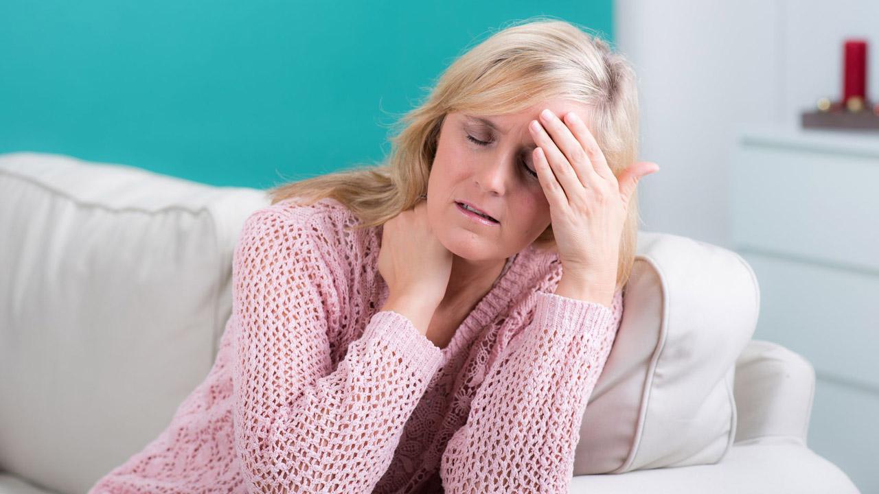 Fisioterapeutas relacionan estas dolencias con problemas mandibulares y plantean la reeducación postural