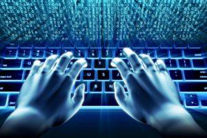 Los delitos en Internet no sólo conllevan consecuencias administrativas sino también penales