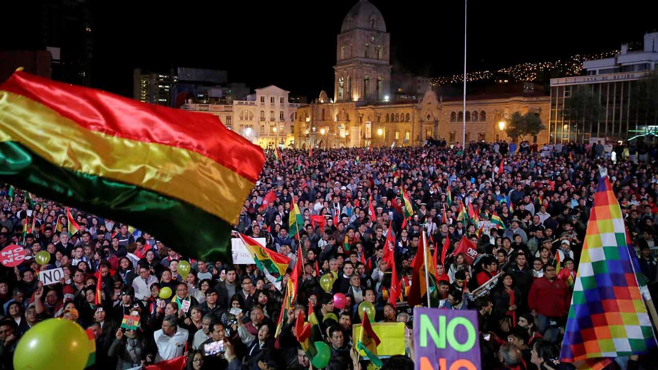 Las principales ciudades del país suramericano fueron invadidas por las personas que muestran su apoyo o rechazo a la medida