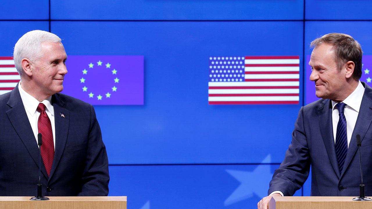 El vicepresidente norteamericano Mike Pence y el presidente del Consejo Europeo, Donald Tusk se reunieron en Bruselas