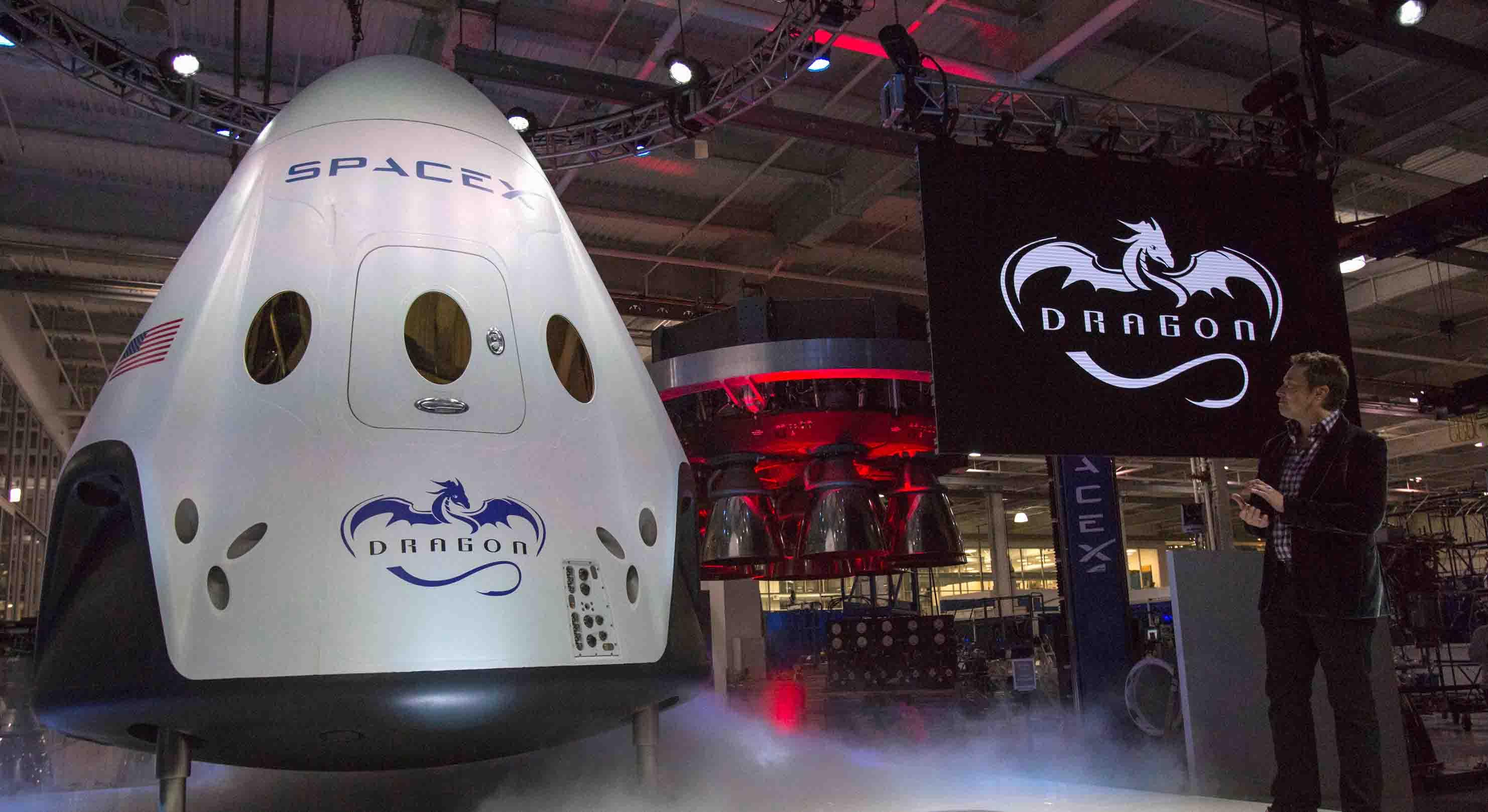 """El primer viaje tripulado en más de cuarenta años se llevaría a cabo en 2018 a bordo de la nave """"Dragon"""""""