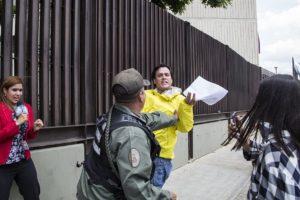 Entre diputados de oposición y Guardia Nacional Bolivariana (GNB)