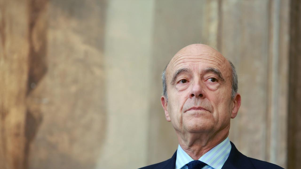 El ex primer ministro francés sustituiría a François Fillon quien está envuelto en un proceso legal