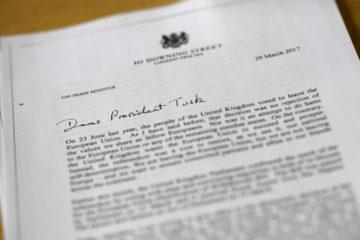 La primera ministra del Reino Unido autorizó la solicitud de salida del Reino Unido de la Unión Europea