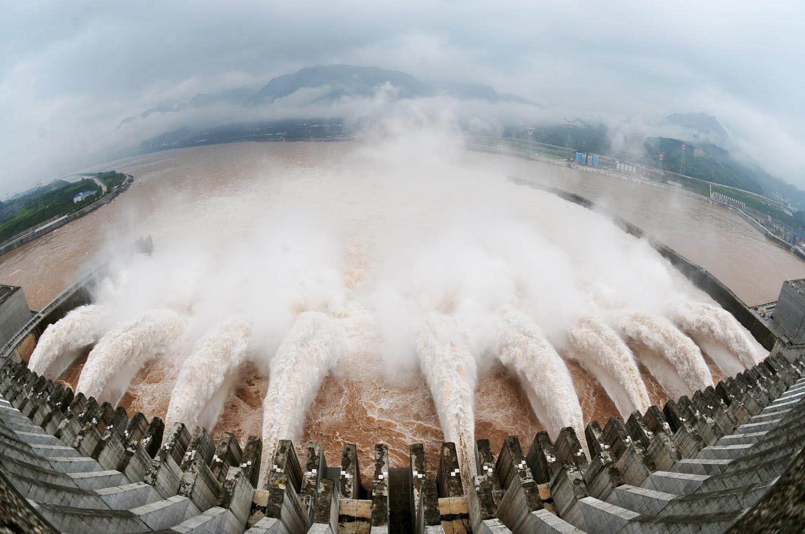 El incidente tuvo lugar al sur de Vietnam cuando los acusados ingresaron a una presa y activaron una válvula que liberó el agua