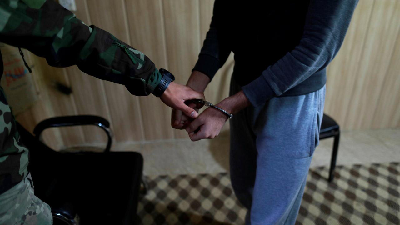 Los hombres fueron arrestados en Alemania por presuntamente actuar a favor de crímenes de guerra en Siria