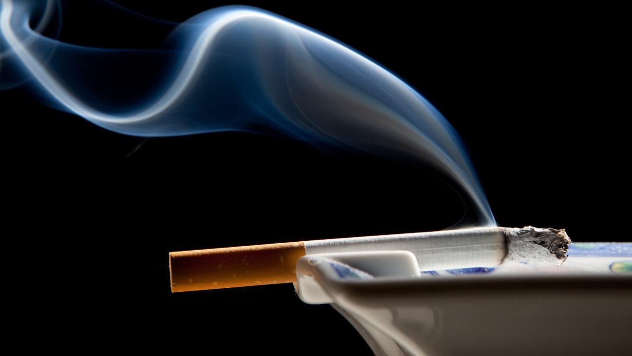 Un estudio danés determinó que las embarazadas que fuman pueden tener hijos con lesiones en la retina