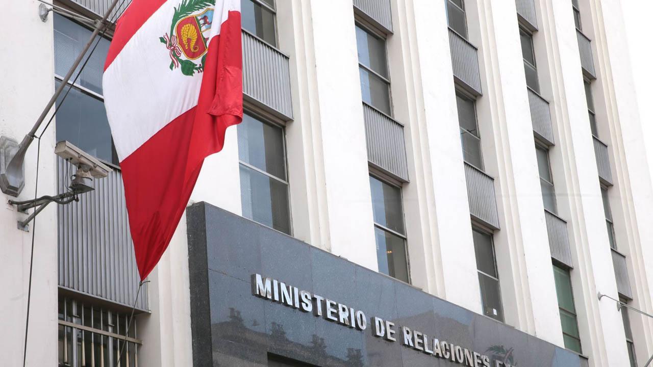 Embajador peruano abandonó a Venezuela