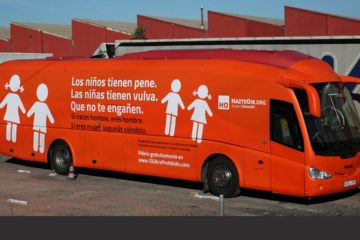 El vehículo se movilizó por las calles con un mensaje dirigido a las personas cuya orientación sexual es distinta