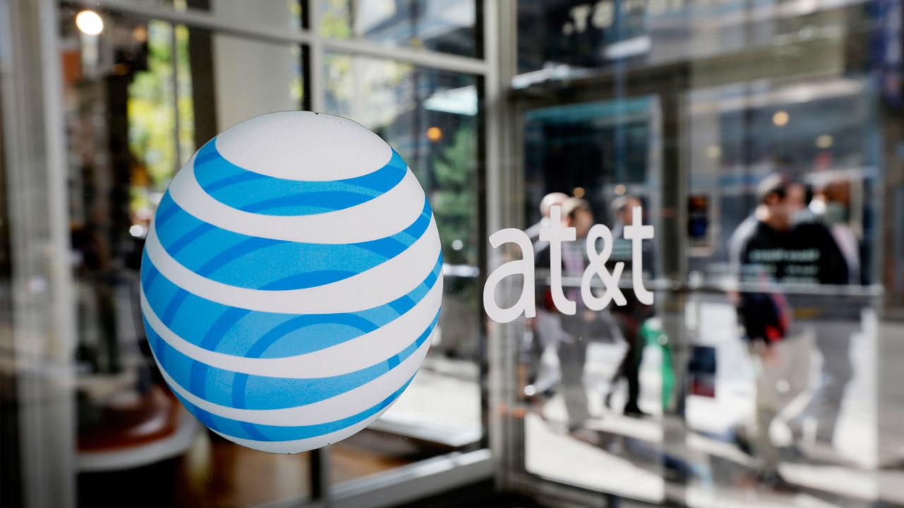 La compañía de telecomunicaciones invertirá unos mil 250 millones de dólares en la adquisición de Straight Path Communications