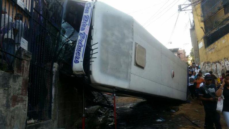 Otros 28 personas resultaron heridas que fueron asistidos por la GNB, protección Civil y los bomberos