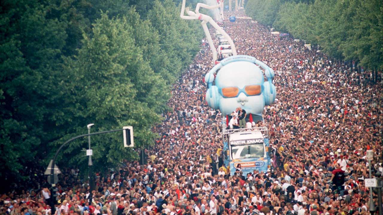 El 24 de julio de 2010, 21 personas perdieron la vida asfixiadas durante una estampida ocurrida en medio del festival de música tecno