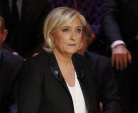 La candidata ultraderechista sorprendió a su contrincante Emmanuel Macron cuando este se encontraba reunido con los sindicatos