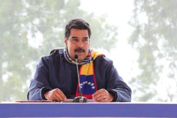 """Durante el programa """"Los Domingos con Maduro"""" propuso que sea emprendido el proceso para """"refundar"""" la República"""
