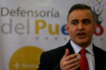 Tarek William Saab rechazó la destrucción y quema de infraestructuras de instituciones públicas y vehículos oficiales