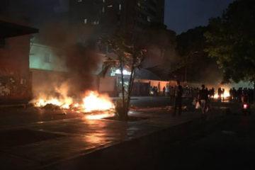 Usuarios de la red social Twitter reportaron saqueos a comercios en la avenida Páez del sector