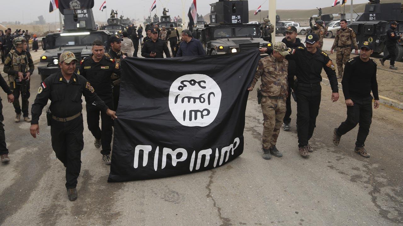 El vicepresidente iraquí aseguró que posee información sobre las reuniones y debates entre representantes de ambos grupos terroristas