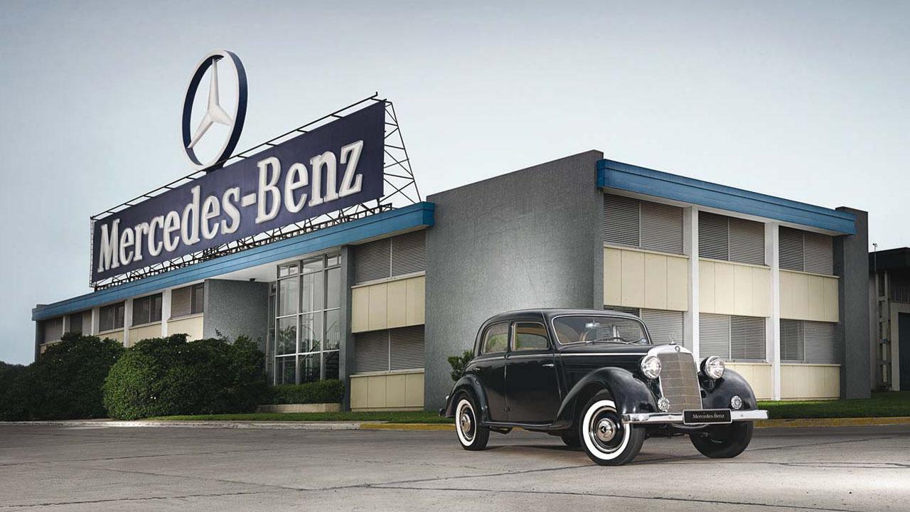 La marca de autos de lujo lanzará el servicio con autos sin conductor