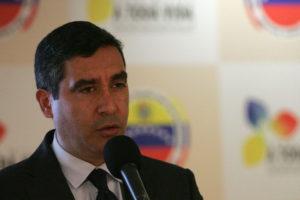 """El Mayor General y ex Ministro de Relaciones Interiores hizo un llamado al presidente Maduro para que """"gobierne para 30 millones de venezolanos"""""""