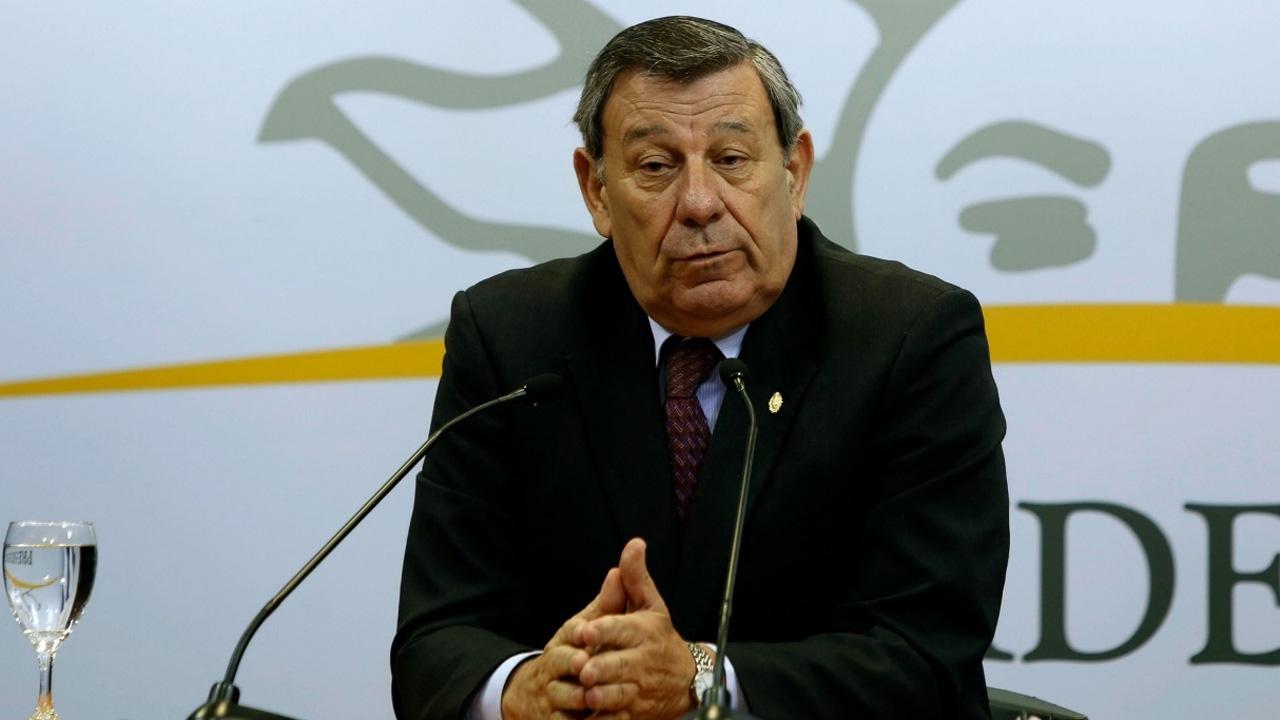 El canciller uruguayo, Rodolfo Nin Novoa expresa su ganas de colaborar con el país