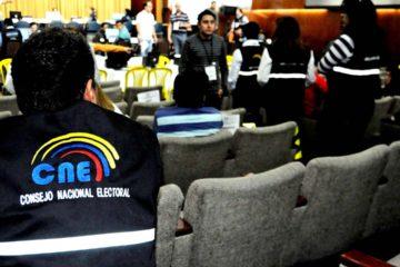 El CNE ecuatoriano ha contado unas mil actas