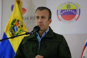 Tareck El Aissami indicando que las autoridades financieras y del Banco Central de Venezuela (BCV), ya fueron informados de la medida