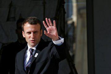 El recién electo presidente francés nombró a varios ministros de distintas tendencias políticas