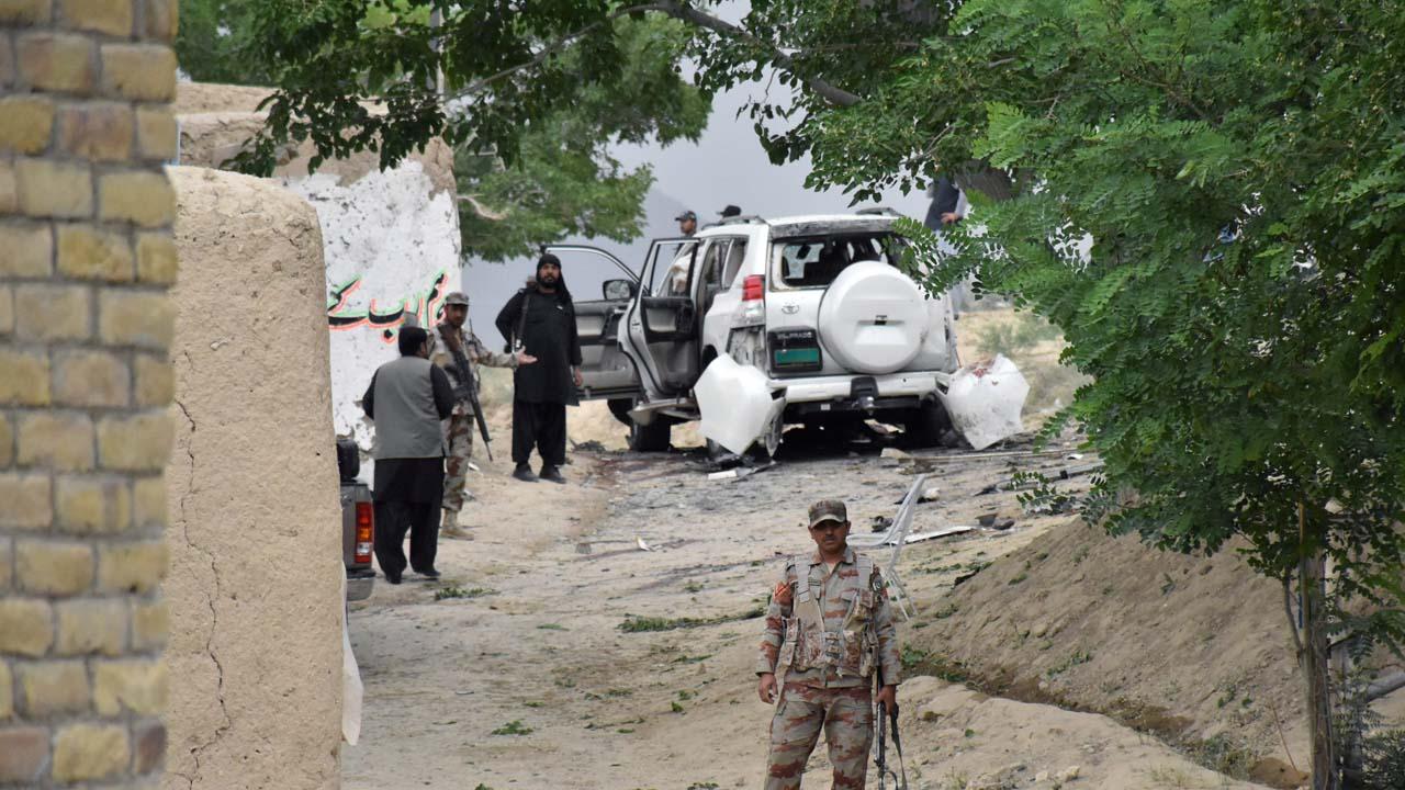 De acuerdo con información policial, el ataque iba dirigido al vicepresidente del Senado Abdul Ghafoor Haidari quien resultó herido durante los hechos