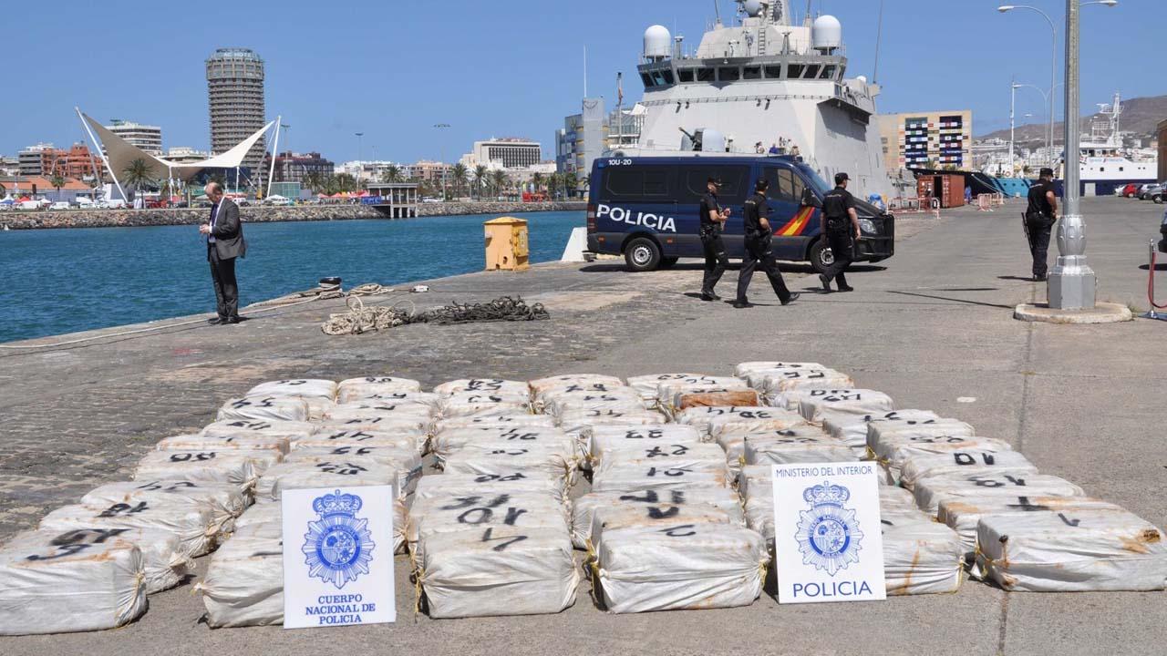 Un total de 2 toneladas y media de la droga se encontraban a bordo del navío dirigido por 7 ciudadanos nativos de Venezuela