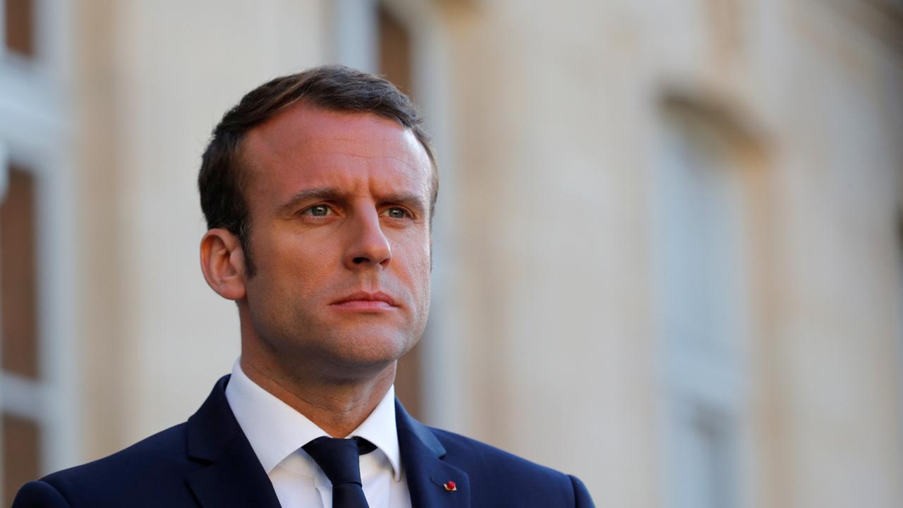 El mandatario francés se reunirá el 29 de mayo con su homólogo para asistir a una exposición artística y conversar sobre las relaciones bilaterales
