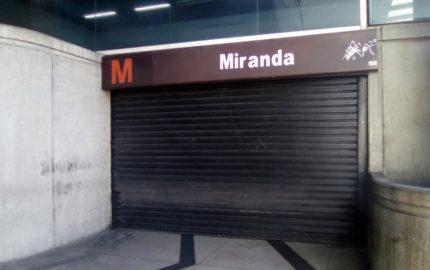 El servicio de transporte anunció el cierre de 29 estaciones al igual que la suspensión total de las rutas de Metrobús y BusCcs