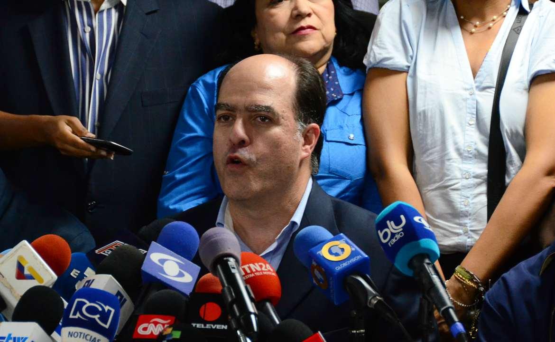 """Oposición venezolana rechaza declaraciones del presidente Maduro y llama al pueblo a """"no aceptarlo"""""""