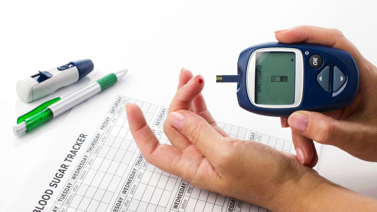 La baja de los niveles de azúcar en la sangre impacta negativamente al cerebro, así como a la musculatura esquelética y cardiovascular