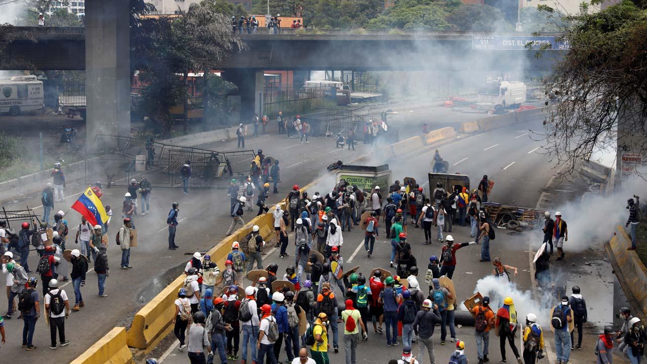 La marcha fue intervenida por el cuerpo de seguridad en la autopista Francisco Fajardo